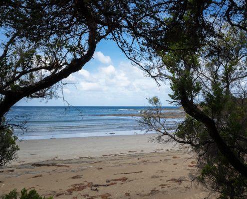 blanket-bay-beach-great-ocean-walk